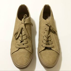 Size 12 Tan Brown Round Toe Shoes Sneakers